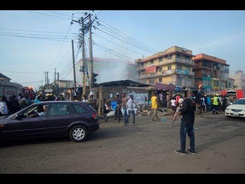 شرطي نيجيري يجتاح بسيارته موكبا يحتفل بالفصح فيقتل 10 ويجرح 30 طفلاً  - نشر قبل 8 دقيقة