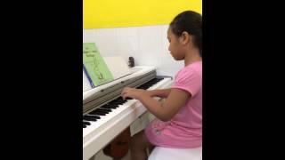Giờ học piano của bé Mỹ Duyên tại lớp nhạc Thùy Dương