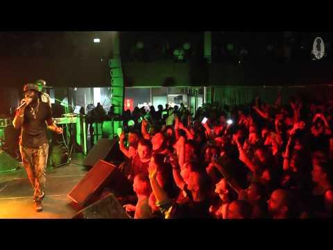 Tarrus Riley feat. Dean Fraser & blak soil band - live - good girl gone bad & gimme likkle one drop