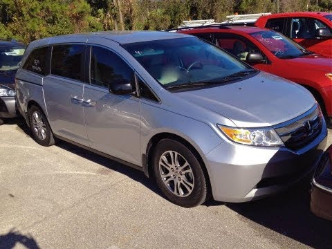 2011 Honda Odyssey EX Start Up, Quick Tour & Rev With Exhaust View - 9K