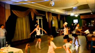 Шикарный танец Школьницы! Все смотреть!!)