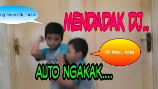 Download Lagu WOOWW.... MENDADAK DJ !!! AUTO NGAKAK.... mp3