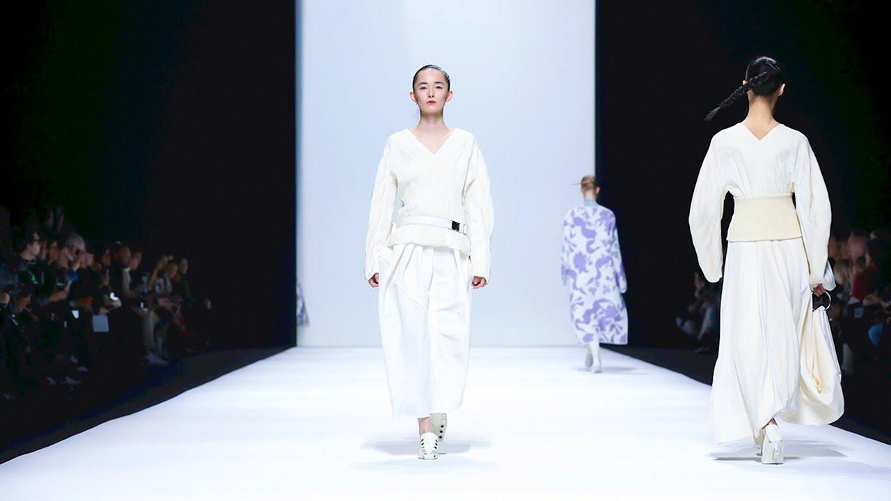 best service 4cd61 5e7c4 Jil Sander | Fall Winter 2018/2019 Full Fashion Show | Exclusive