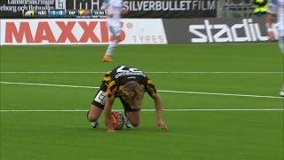 Fotfraktur för Häcken-talangen efter smällen mot Dif - TV4 Sport