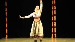 Mere Dholna Sun by Svetlana Tulasi