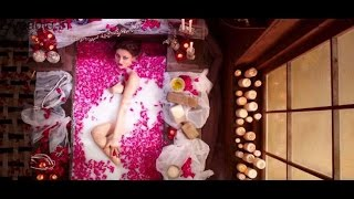 ... subscribe us for more funny videos : http://goo.gl/ogewqd here you can see bollywood actress's wardrobe malfu...