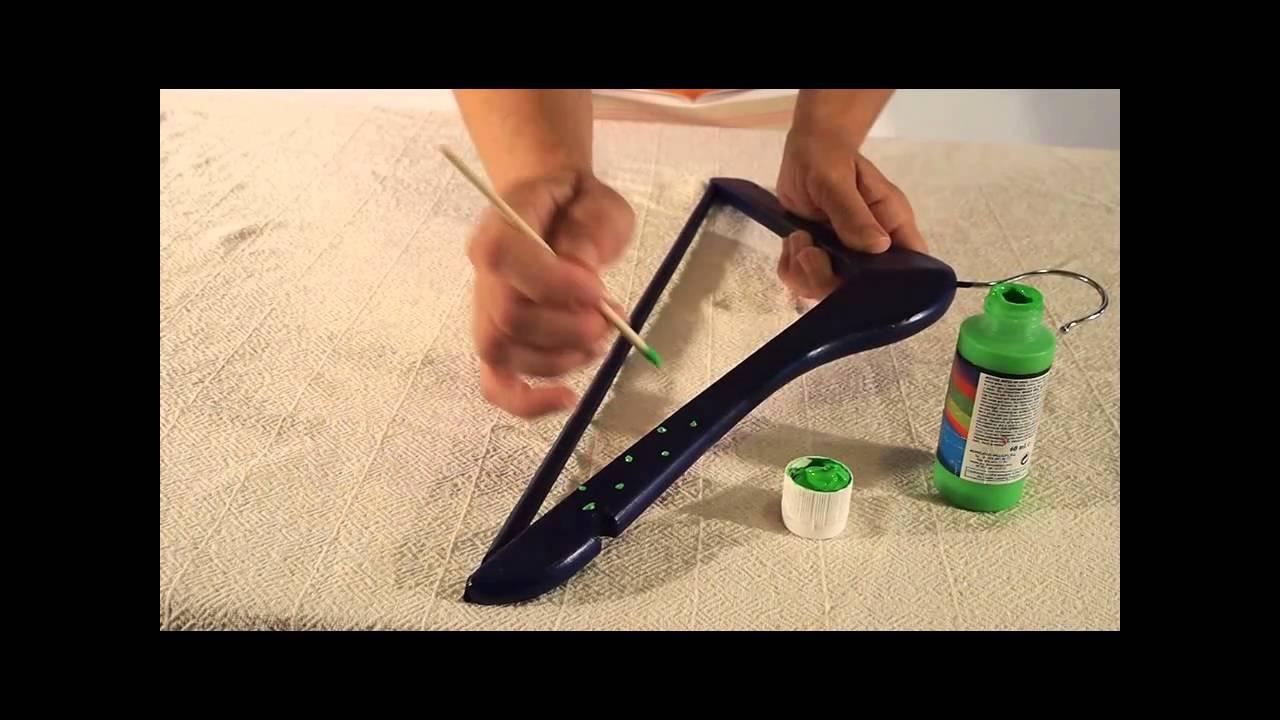 Diy decorated hangers manualidades perchas decoradas for Perchas con ganchos