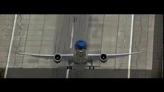 le B-787 décolle à la VERTICALE !!