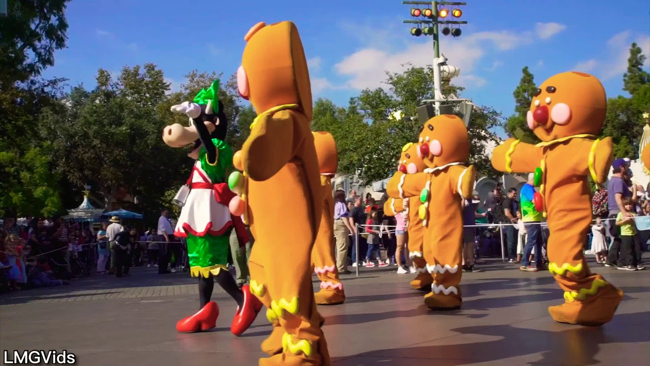 Disneyland During Christmas Time.2017 New A Christmas Fantasy Parade At Disneyland Park Christmas Time Parade First Day