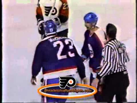 070 Jan 25, 1990 Paul MacDermid Vs Craig Berube Winnipeg Jets Vs Philadelphia Flyers SYLVESTER STALL