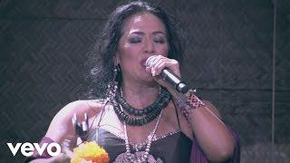 Lila Downs - EL Corrido de Tacha (La Teibolera) (Concierto en Vivo)