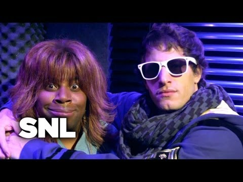 SNL Digital Short: Two Worlds Collide ft. Reba McEntire - SNL