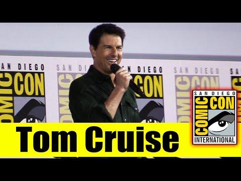 TOM CRUISE Surprises Fans at Comic Con for TOP GUN: MAVERICK | 2019 Comic Con