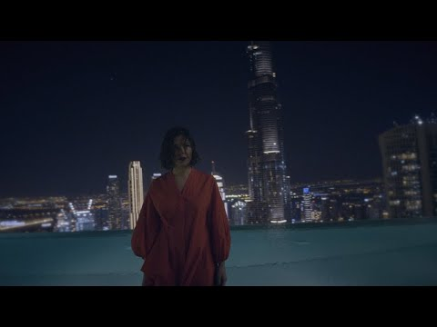 Смотреть клип Nina Kraviz - Skyscrapers
