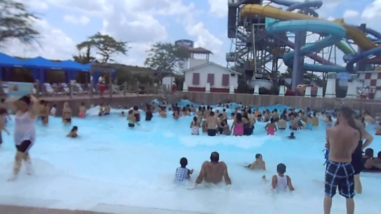 Where 39 s jiggidy hurricane bay wave pool hurricane harbor - Whitefish bay pool open swim hours ...