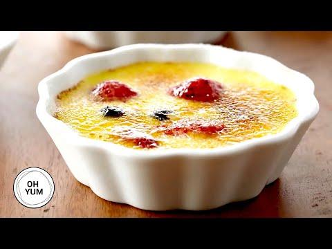 how-to-make-crème-brûlée-with-fresh-berries