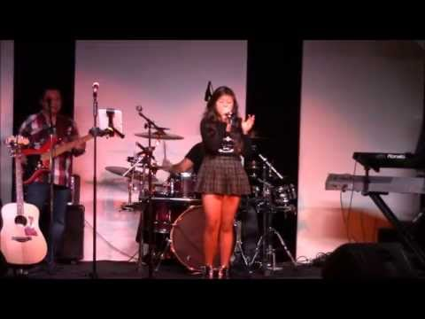 """Chenza Puno singing """"Tianium"""" with The A-List Band"""
