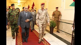 القائد العام ووزير الدفاع وكالة يجتمع بكبار القادة