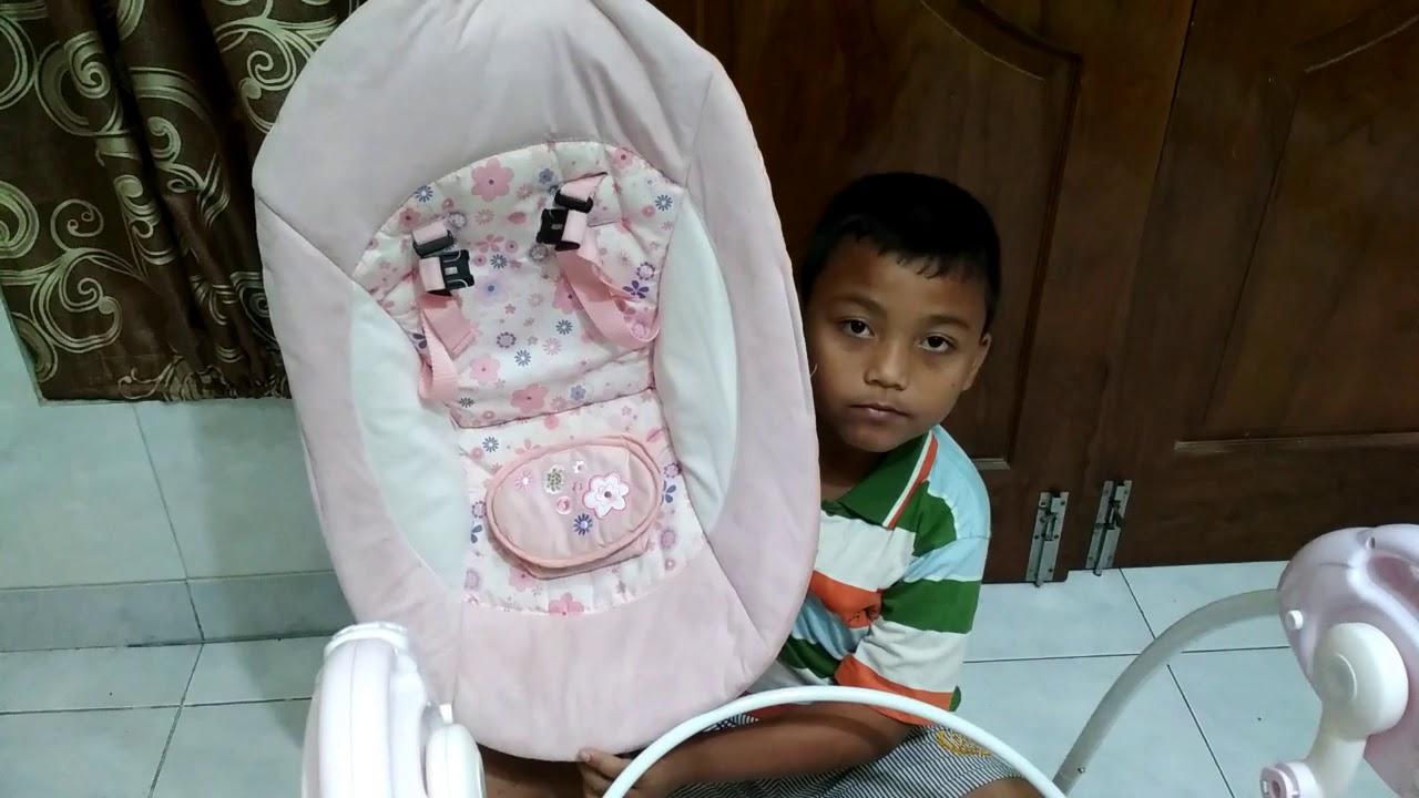 Cara Merakit Baby Swing Atau Ayunan Bayi Youtube Babyelle Automatic Pink 32007