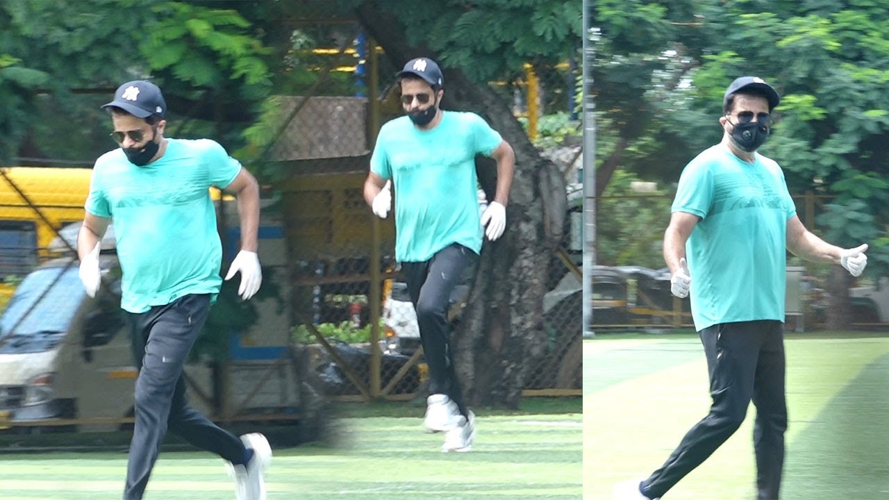 Anil Kapoor Running Like A Young Hero In The Age Of 63 proves He Is The Most Fittest Actor In B-Town