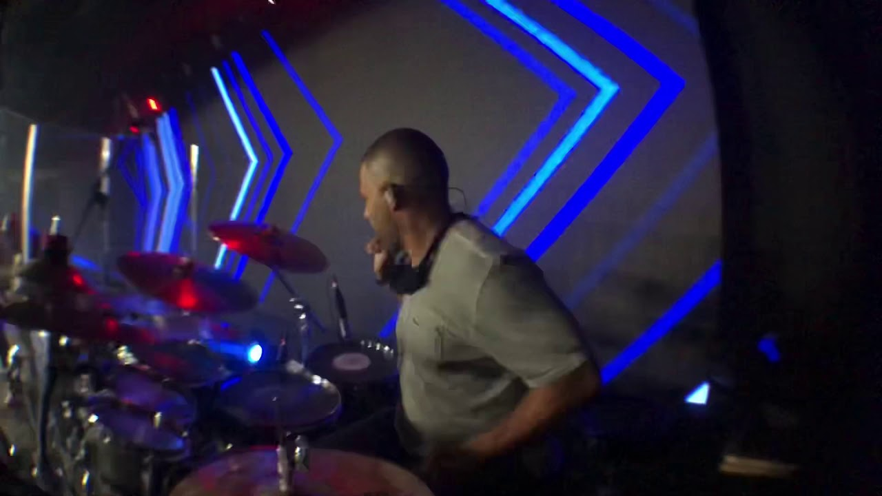 Aposan Renascer Praise A Guerra Ganha Está (drum cover )