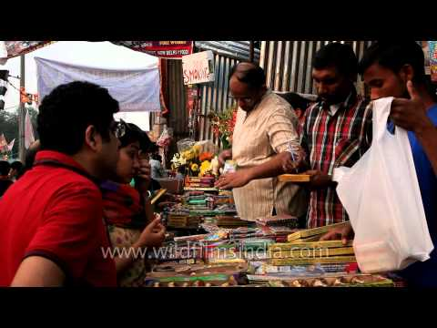 Diwali Shopping : People busy in buying crackers