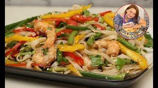 Тайский салат из креветок и рисовой лапши
