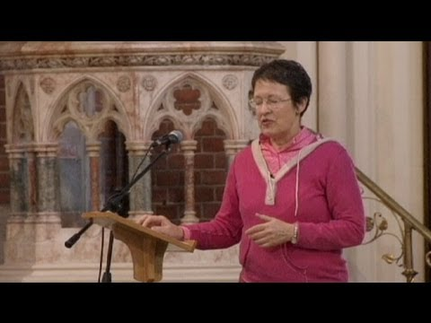 Church of England votes on women bishops