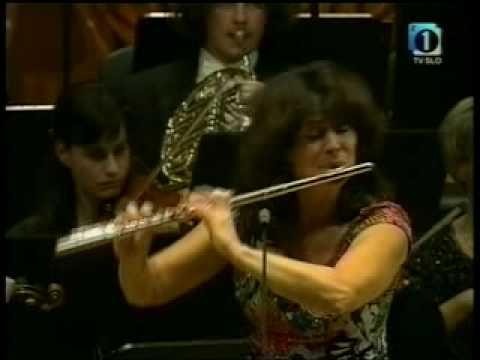Mozart Flute Concerto No. 1 - Irena Grafenauer (1/3)