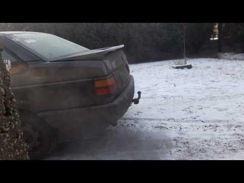 VW Passat B3 1.6TD 1991. Cold start -19C°