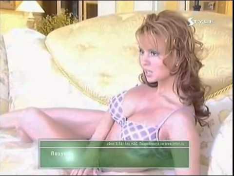 Аня Семенович в красивом белье