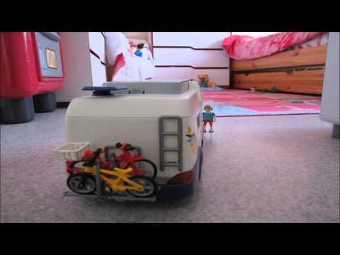 La famille playmobil part en vacances. thumbnail