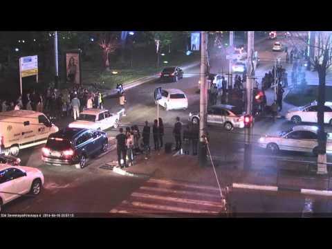 Мужчина толкнул свою спутницу под мотоцикл в Краснодаре