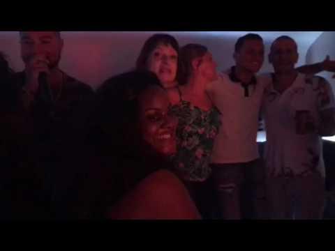 Soirée entre amis au VIK karaoke bar