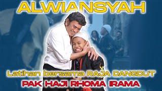 Download lagu Wow... Alwiansyah dapat hadiah Sunat dari Raja Dangdut Pak Haji Rhoma Irama