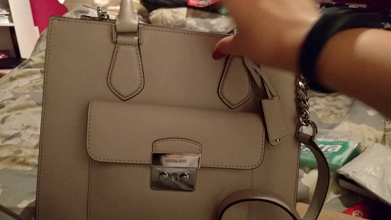 9359ad094ca2 Review on Michael Kors east west Bridgette (Medium) - YouTube