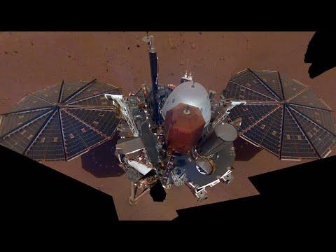 La nave InSight resplandece sobre Marte en su primer 'selfie'