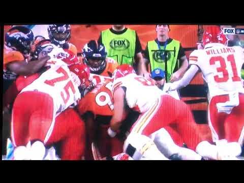 Patrick Mahomes Knee Injury Vs Broncos Youtube