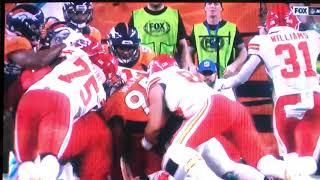 Patrick Mahomes Knee Injury vs Broncos