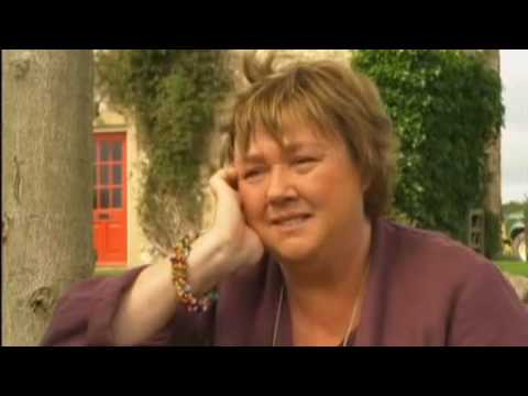 Live from Emmerdale  Pauline Quirke  11th August 2010