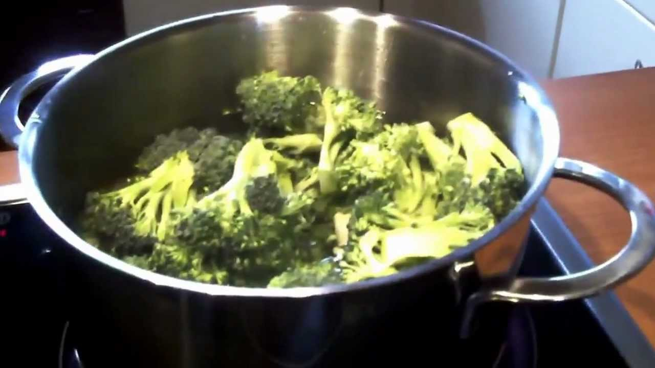 Kochen mit Mama : Einfache Broccoli-Creme-Suppe - YouTube