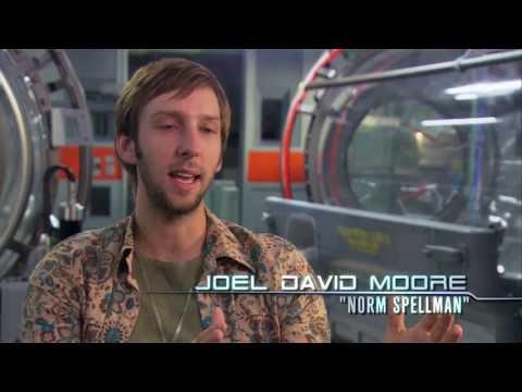 James Cameron's Vision Featurette