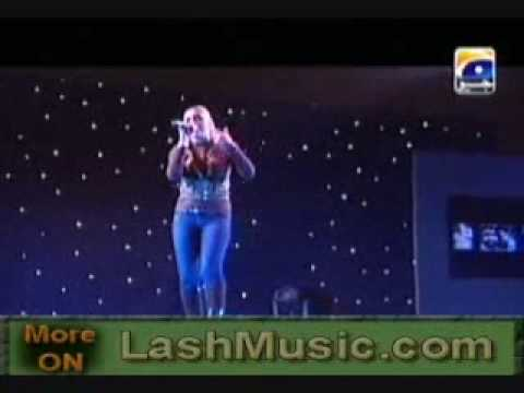 Hadiqa Kiani Sings Boohey Barian Live 2010