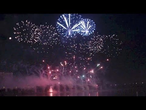 Moscow fireworks festival draws crowd of 330,000 people