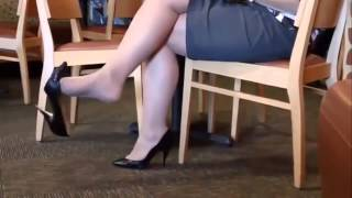 Sexy Feet playing in Cafe