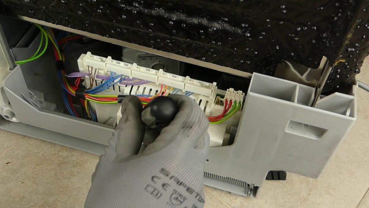 Como Desmontar El Modulo De Los Lavavajillas Bosch Siemens Balay