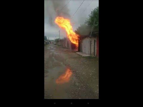 Смотреть ЖЕСТЬ.Взрыв газового баллона в гараже.Черкесск 1.06.2018г онлайн