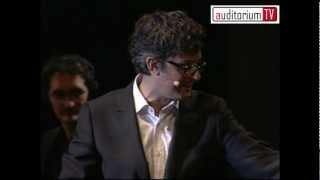 """Fiorello - """"Una carezza in un pugno"""" (Adriano Celentano)"""