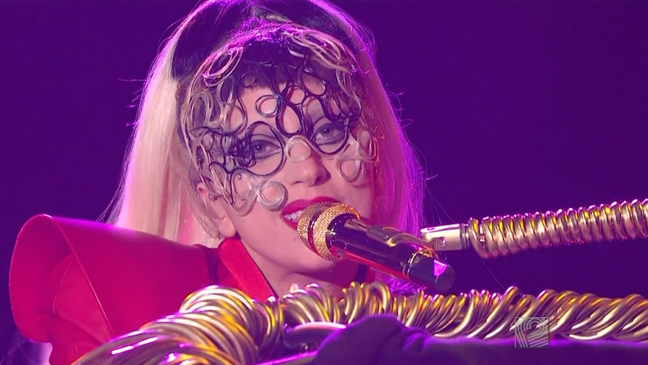 Lady Gaga - Born This Way + Yoü And I Live at The Oprah Winfrey Show (May 5th 2011)