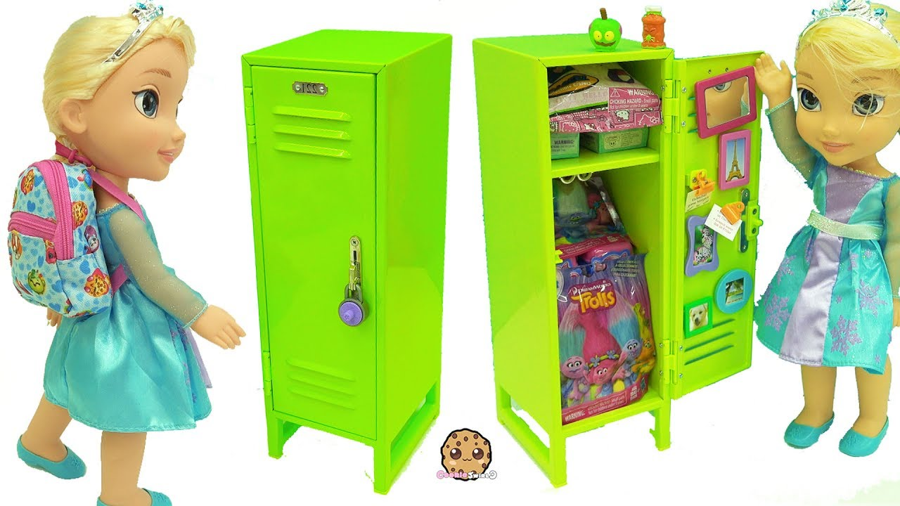american girl school locker with surprise blind bag toys disney frozen queen elsa doll youtube. Black Bedroom Furniture Sets. Home Design Ideas